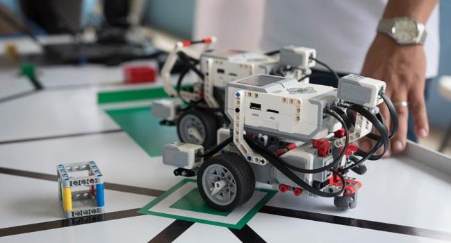 Casals d'estiu a Sabadell amb Lego Mindstorms i AppInventor